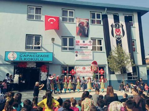 Kaptan Textile ve 1903 Karakartallar Derneği ortak iştirakiyle İzmir Ödemiş'de bulunan Çapacızade İlkokulu'nun tadilatıyla yapılmış ve eksikleri giderilmiştir.